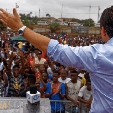 Gabon: nominations, Brice Laccruche Alihanga rend le pouvoir aux Tékés.