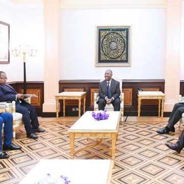 Ali Bongo Ondimba reçoit  Ndoundangoye et Owono Mba