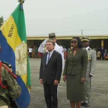 Cérémonie de remise des médailles à l'école d'état-major de Libreville