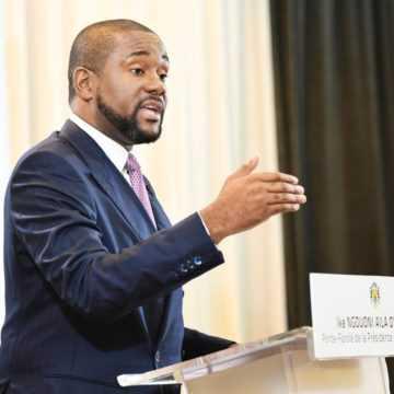 """Gabon: """"Le Président est seul maître de son agenda"""" selon Ike Ngouoni"""