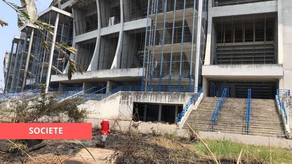 STADE OMAR BONGO : L'INCENDIE N'A PAS FAIT DE VICTIME GRÂCE À L'ACTION DES POMPIERS