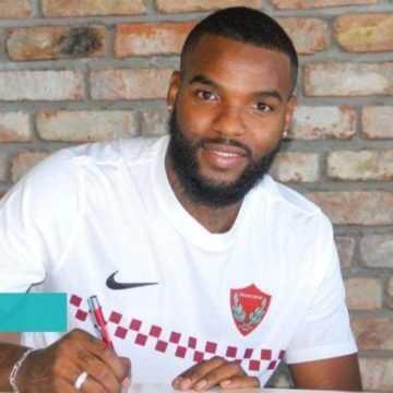 FOOTBALL: BOUPENDZA CHOISIT L'ARGENT
