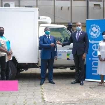 SANTÉ : L'UNICEF DOTE LE GABON D'UN VÉHICULE FRIGORIFIQUE POUR LA VACCINATION